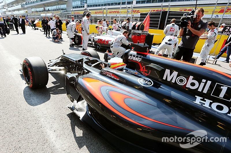 McLaren poderia fazer corrida 50s mais rápida, diz chefe