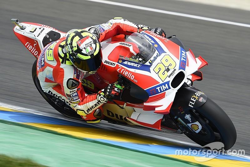 Iannone berooft Lorenzo van eerste plek in derde training