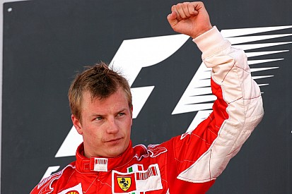 Der einzigartige Kimi Räikkönen auf dem Podium