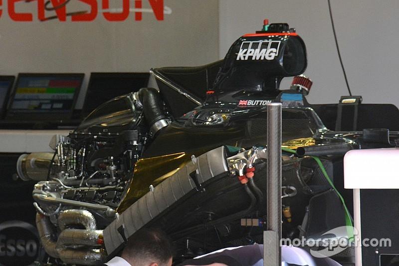 McLaren-Honda: gli scarichi impacchettati uno sull'altro