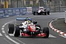 EK F3 Pau: Barnicoat wint Race 1 na mislukte start Stroll