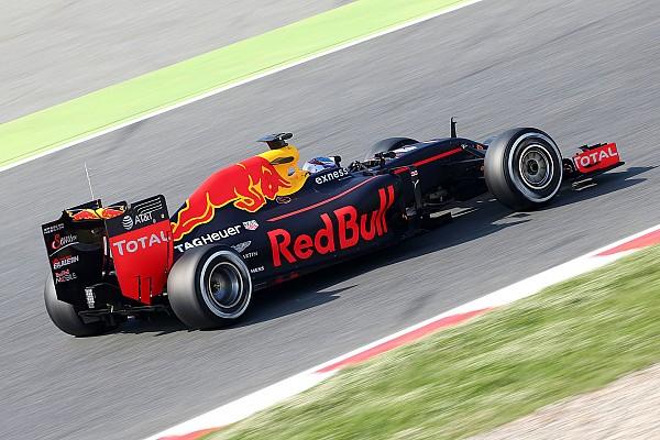 Verstappen é o mais rápido da manhã no último dia de teste