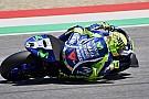 Rossi enciende Mugello con una pole asistida por Viñales