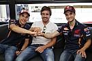 Galería: Fernando Alonso visitó a los pilotos de Honda