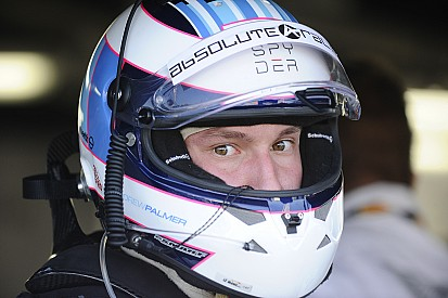 Bentley confirma lesión en la cabeza de Palmer tras choque