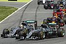 Kilassítva, belső kamerás nézetből Rosberg és Hamilton balesete
