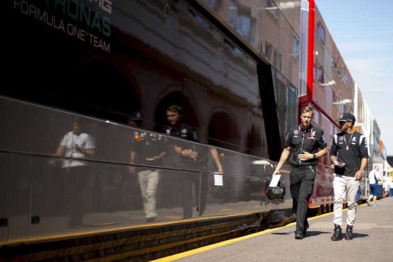 Hamilton szerint unalmas lehet a Monacói Nagydíj: négyszer lágyabb gumikat akar