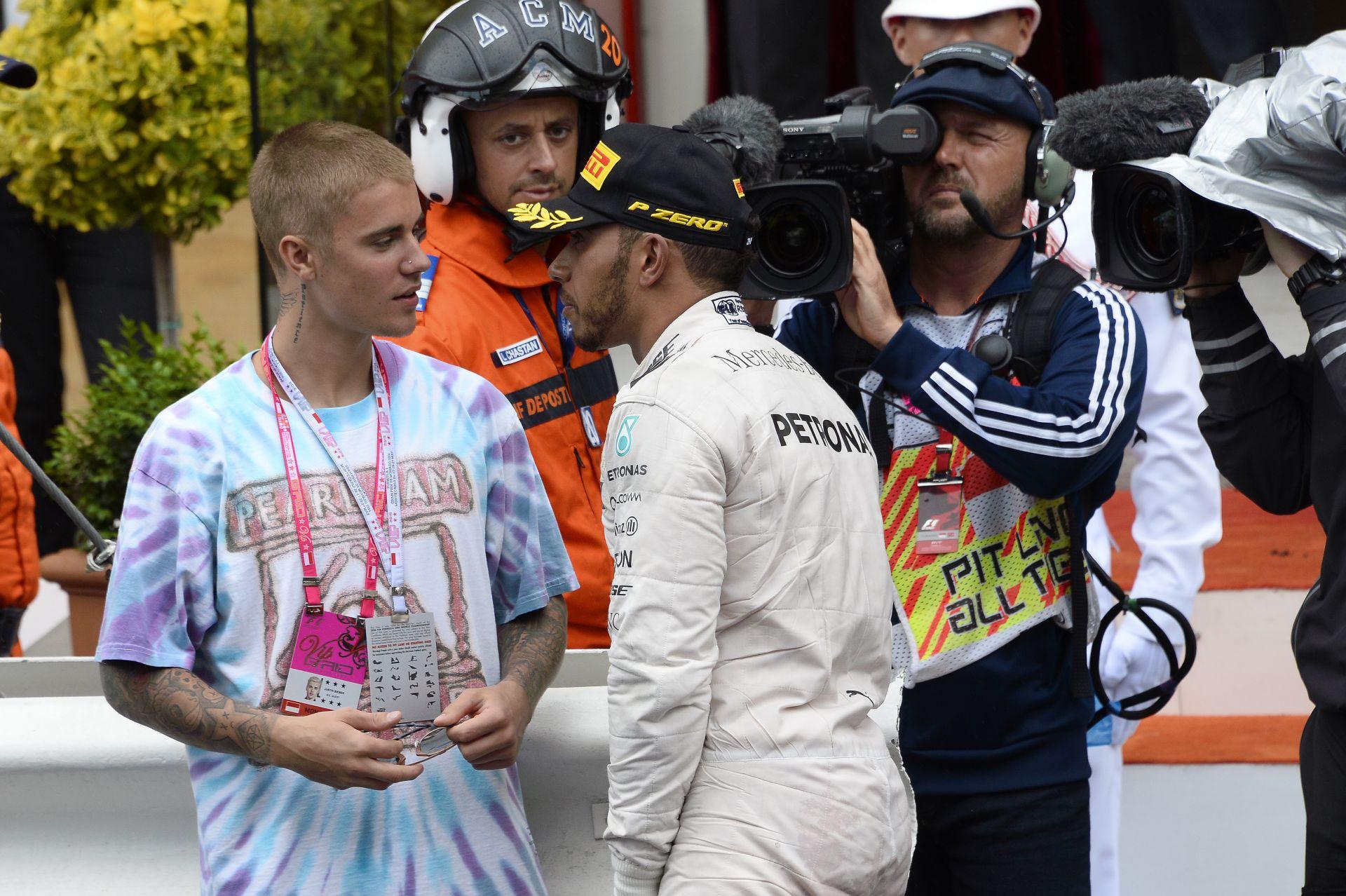 Amit látnod kell: így táncolt és bulizott Justin Bieberrel Hamilton