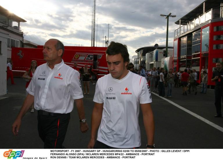 A McLaren nem érti: ha az európai orvosok szerint Alonso versenyezhet, akkor Bahreinben miért mondanak mást?