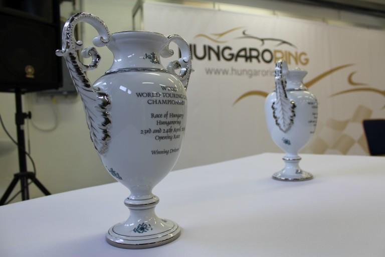 Nem kell aggódnia Vettelnek, ugyanis a Hungaroring visszatért a porcelán trófeákhoz!