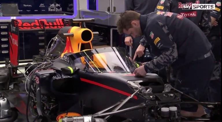 """Ricciardo esélyt adna a """"szélvédőnek"""", főleg a mostanában látott balesetek miatt!"""