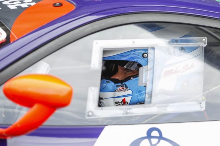 Furcsa, döntsenek róla a versenyzők: Salo örül, hogy nem neki kell vezetnie a szélvédős kocsikat