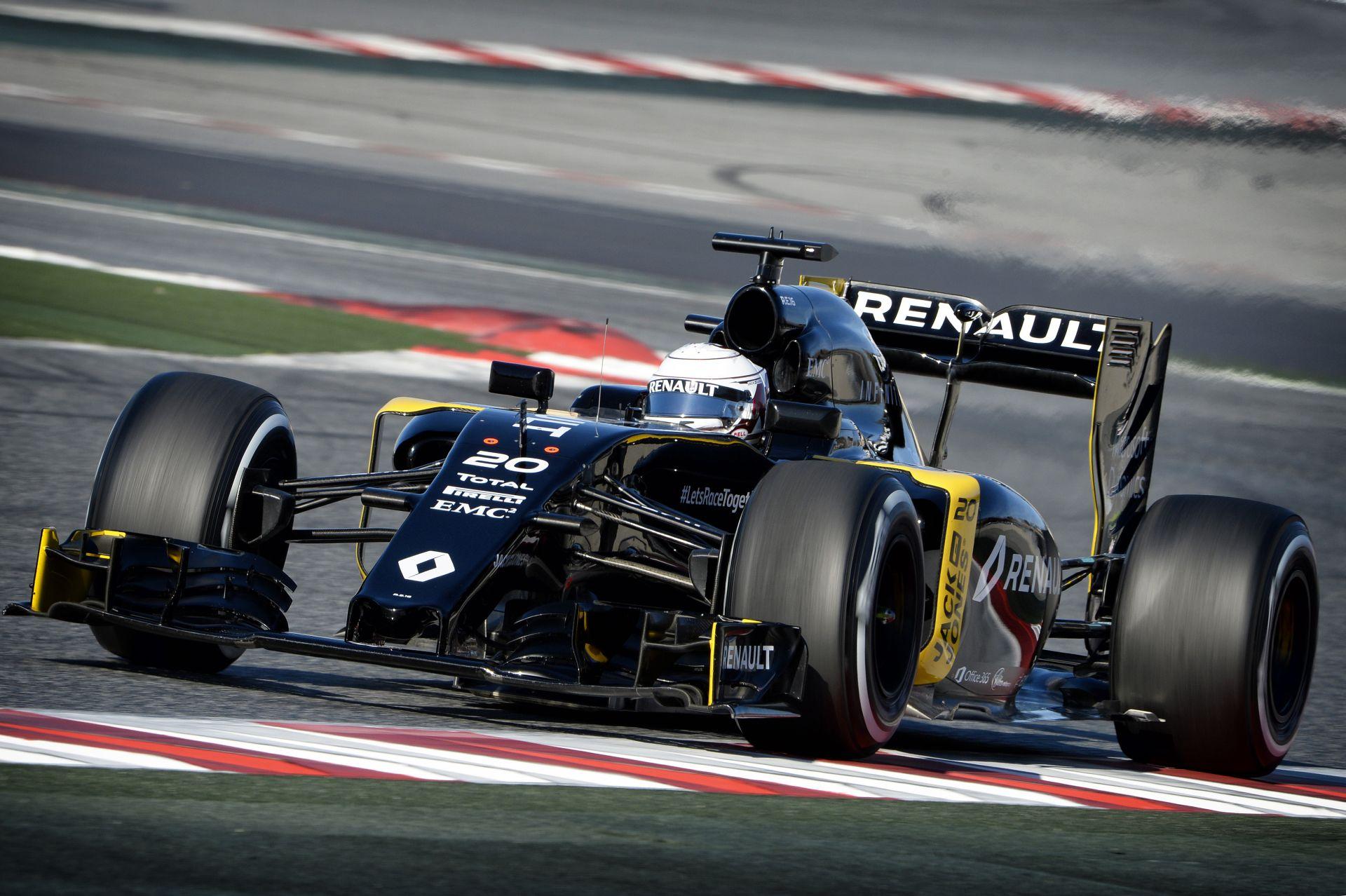 Nagyszerű videós felvételek érkeztek Barcelonából, az F1-es tesztről