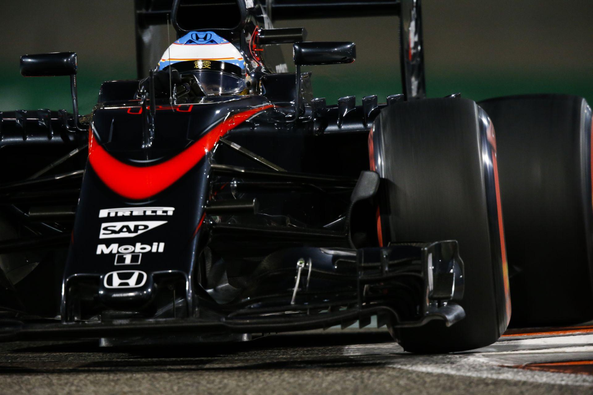 ÉLŐ F1-ES MŰSOR: Itt az új halo, Alonso talán már soha nem lesz bajnok, alázni fog a Mercedes? (19:00)