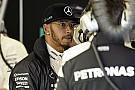 Hamilton nyerte az Ausztrál Nagydíj időmérő edzését Rosberg, Vettel és Raikkönen előtt