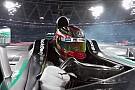 2.7K-s F1-es felvétel: Akcióban a Mercedes F1-es gépe
