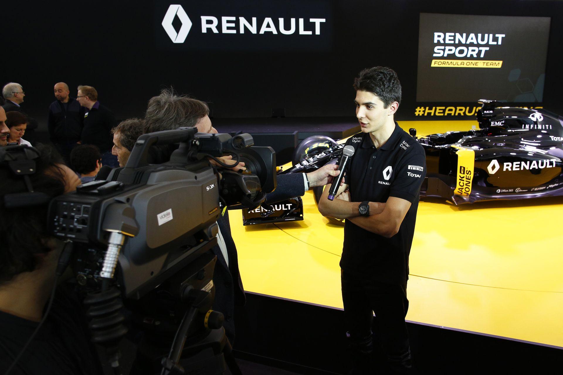 A Mercedes pilótája besokkolt, amikor először megérkezett a Renault-hoz!
