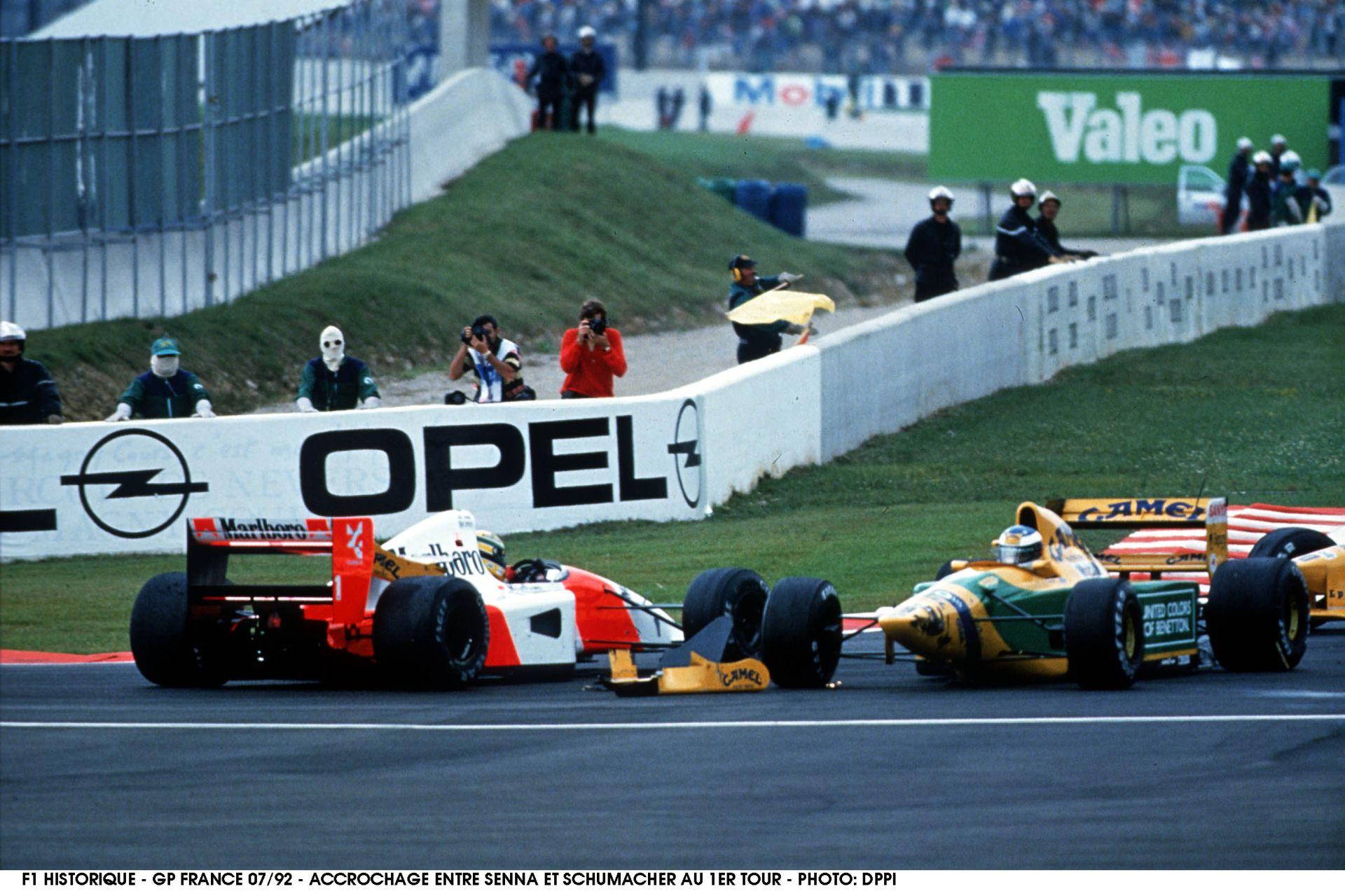 Senna a nyilvánosság előtt oktatja ki Schumachert – 1992