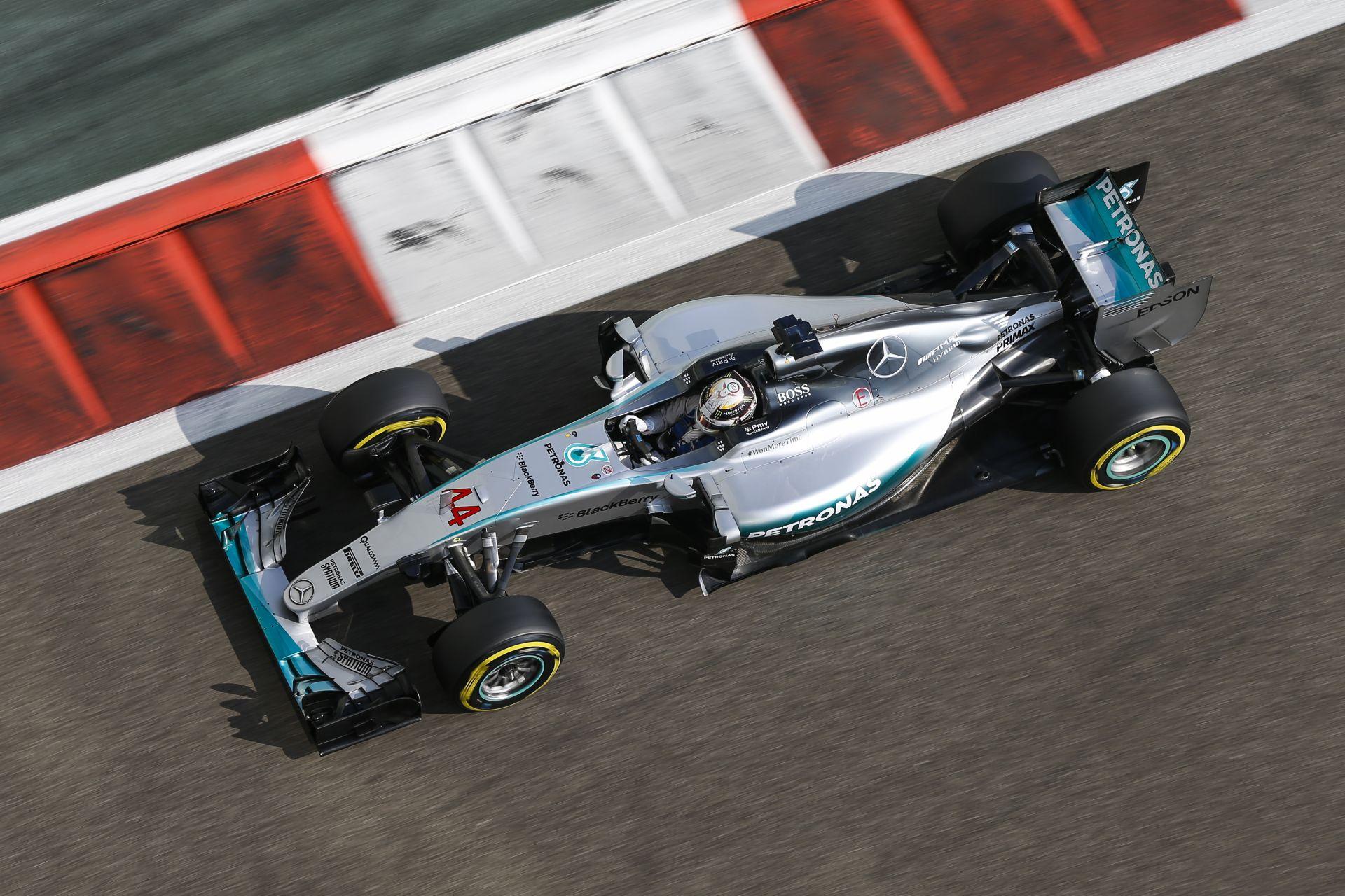 A Mercedes és a Pirelli miatt ismét változnak a 2017-es szabályok: széles Forma-1-es autók keskeny karosszériában