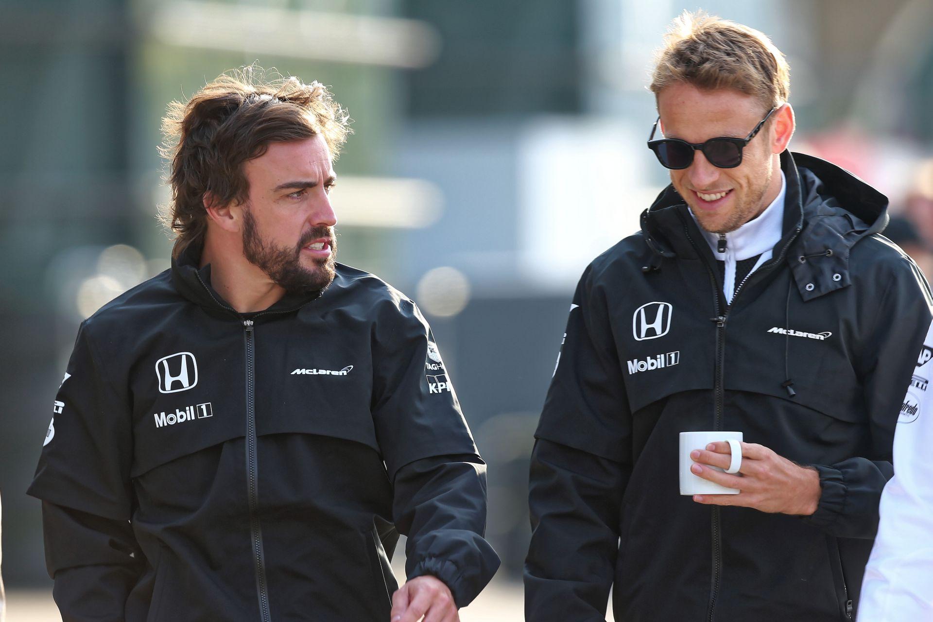 EXTRA: Alonso és Button csapatása a McLarennel! 360 fokos videóval!