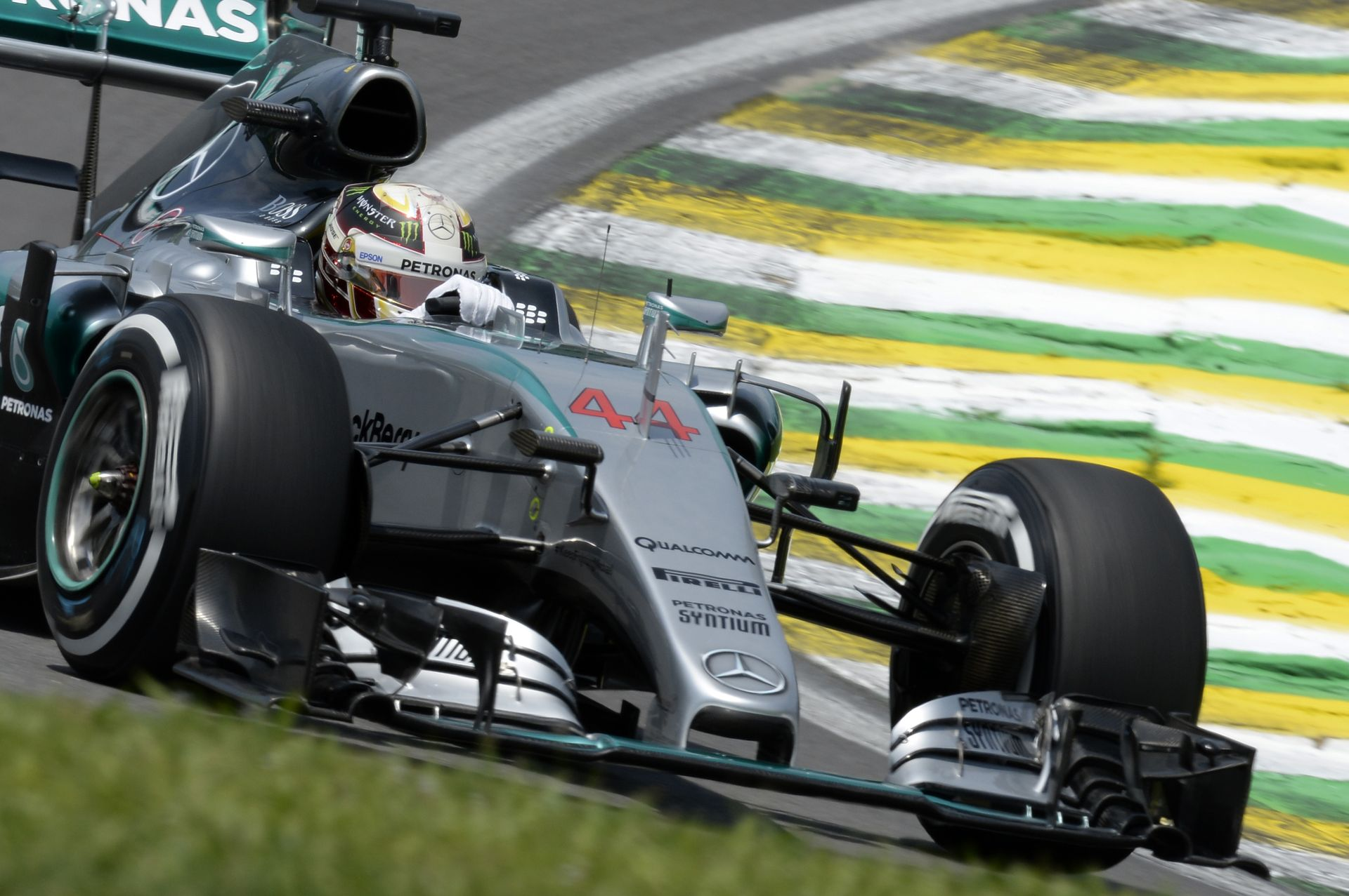 """Hamilton megint csak """"puffog"""": Rosberg ismét legyőzte az időmérőn"""