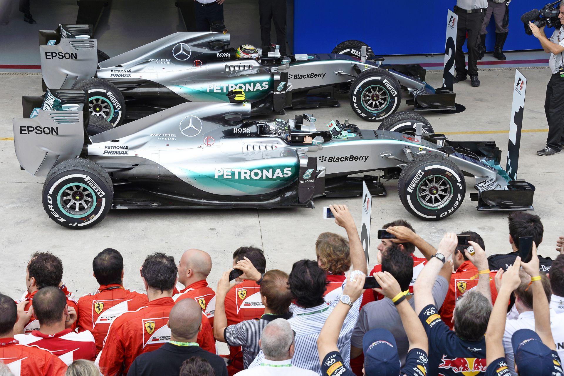 A Mercedes sem tudja, minek köszönhető a változás Hamilton és Rosberg között
