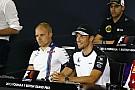 A Williams szerint Bottast a megfelelő pillatanban engedték ki a kiállás után! Button szerint meg nem!