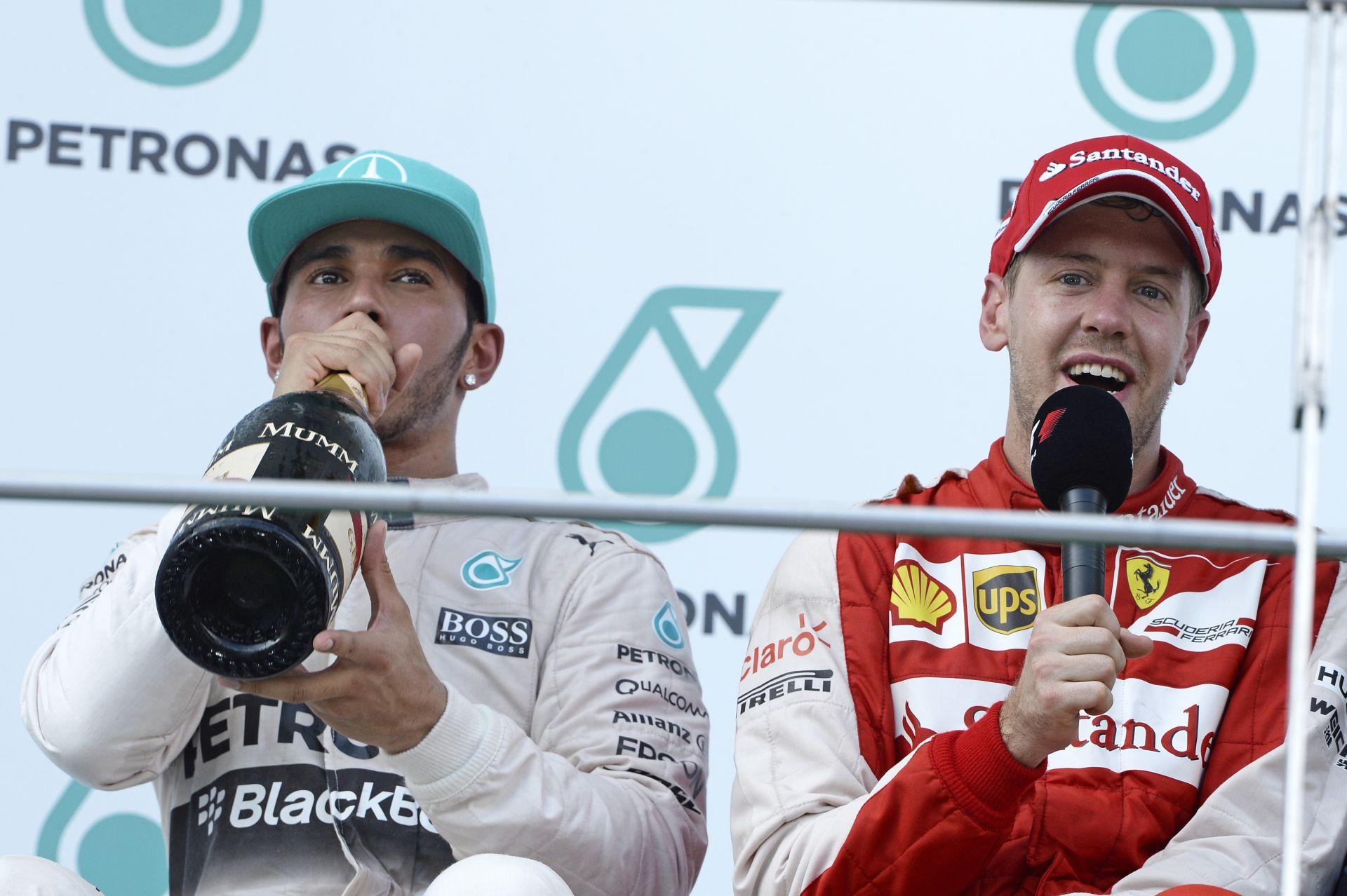 Lehet bármilyen unalmas egy F1-es nagydíj, ha Hamilton és Vettel egymás mellé kerül