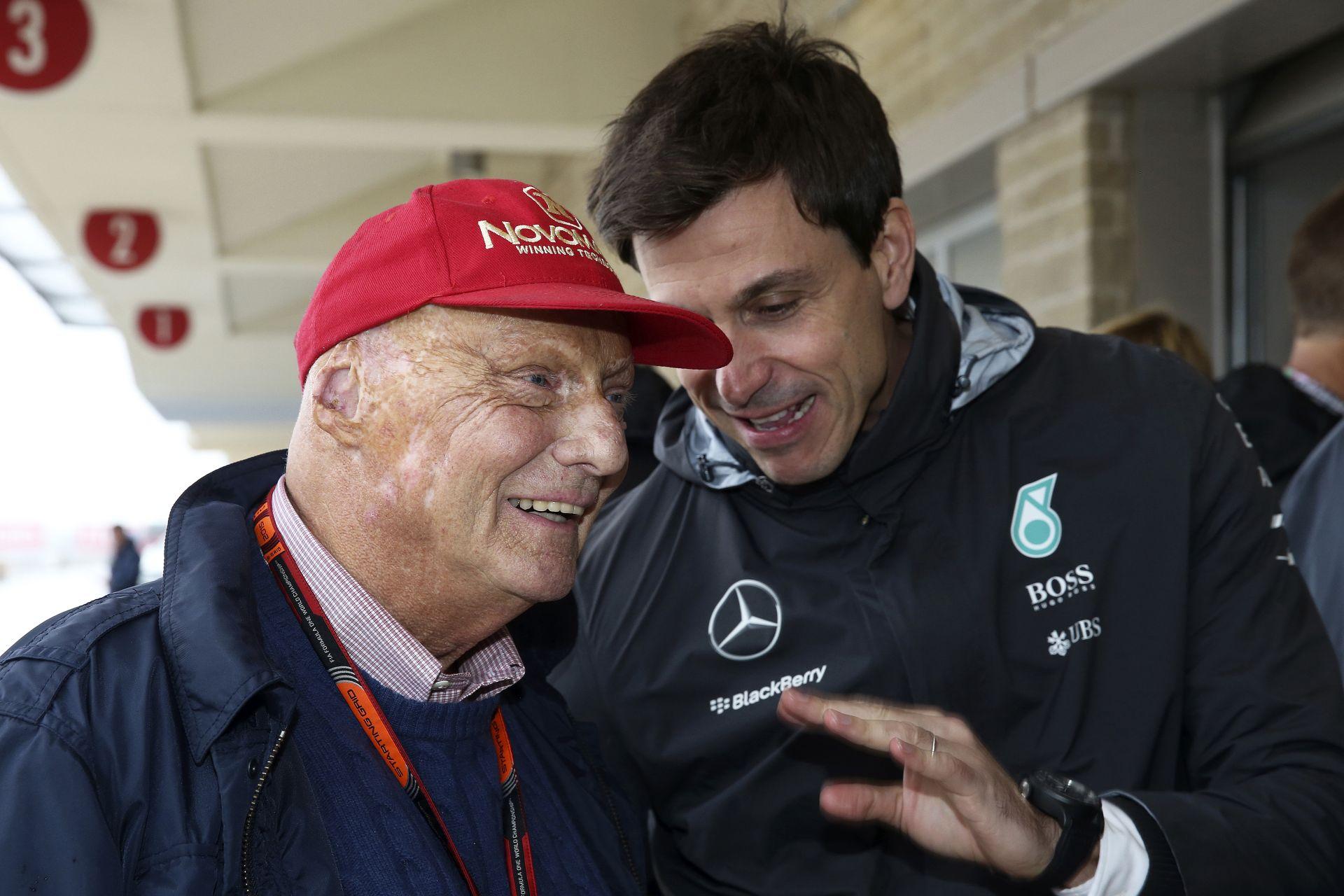 Wolff és Lauda is boldogságba tört ki, amikor Rosberg kicsúszott és Hamilton átvette a vezetést?