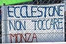 """Egy kemény és egyértelmű üzenet Ecclestone-nak a pálya széléről: """"Ecclestone, hozzá ne érj Monzához!"""""""