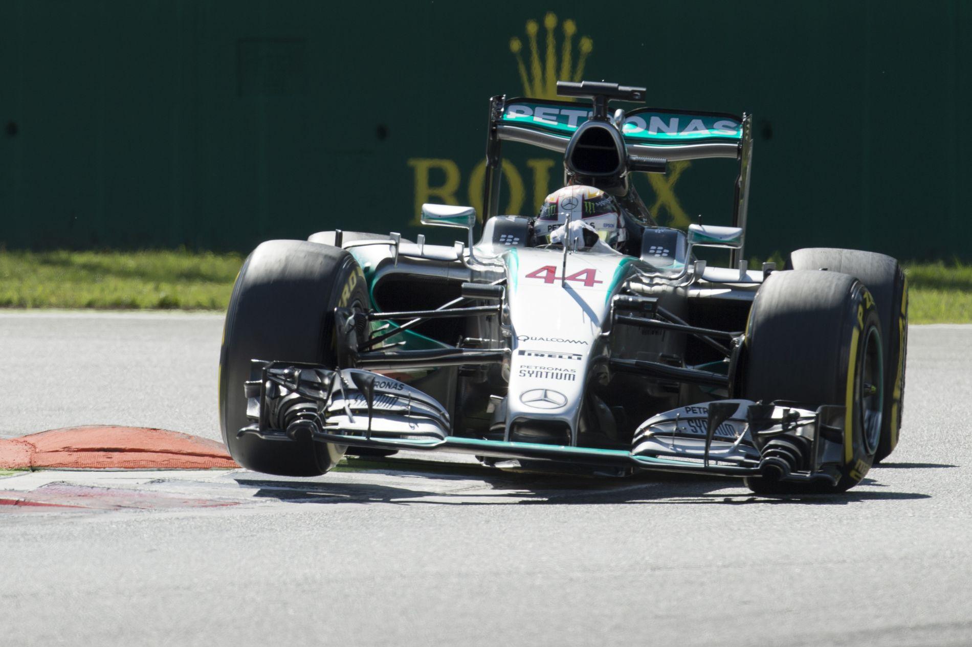 Nem a guminyomás miatt nyert a Mercedes, hanem azért, mert a leggyorsabb volt