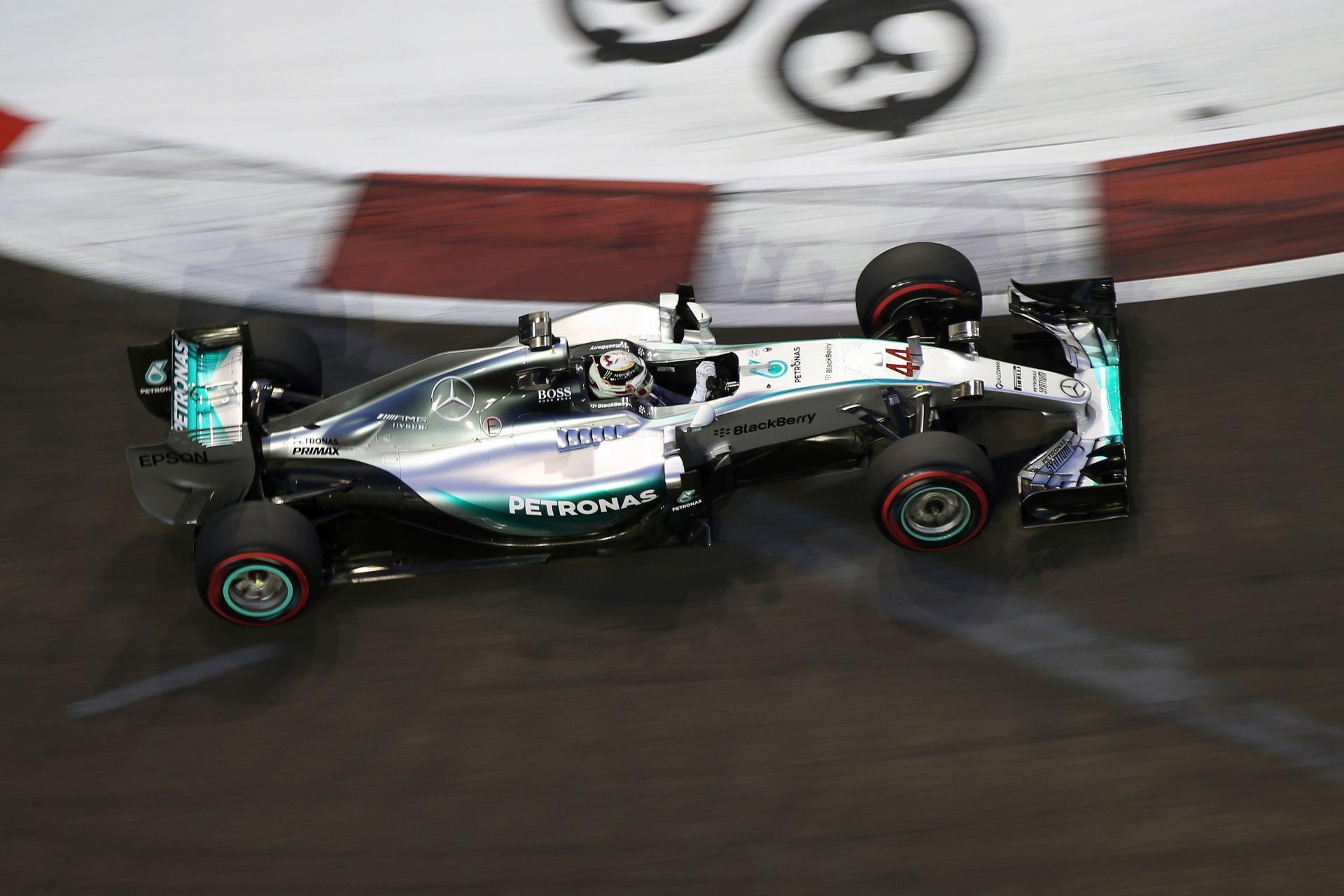 Hamilton: Reméltem, hogy a problémát gyorsan meg tudjuk oldani...