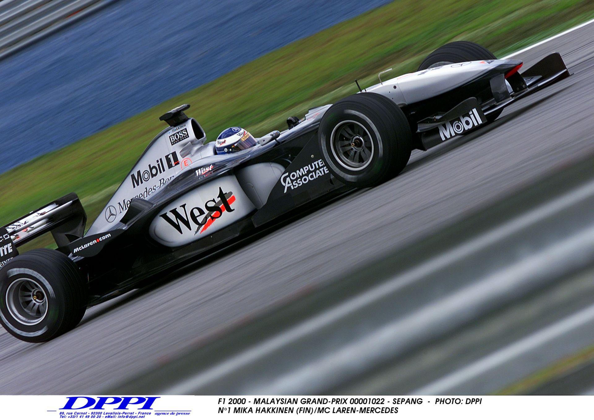 Egy felejthetetlen időmérő edzés Japánból: Hakkinen és Schumacher szoros csatája