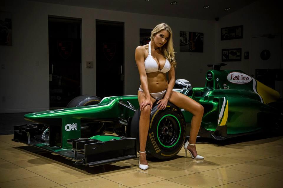 Ennél szebben nem teljesülhet be F1-gép sorsa: kerekded idomok és Caterham CT03!