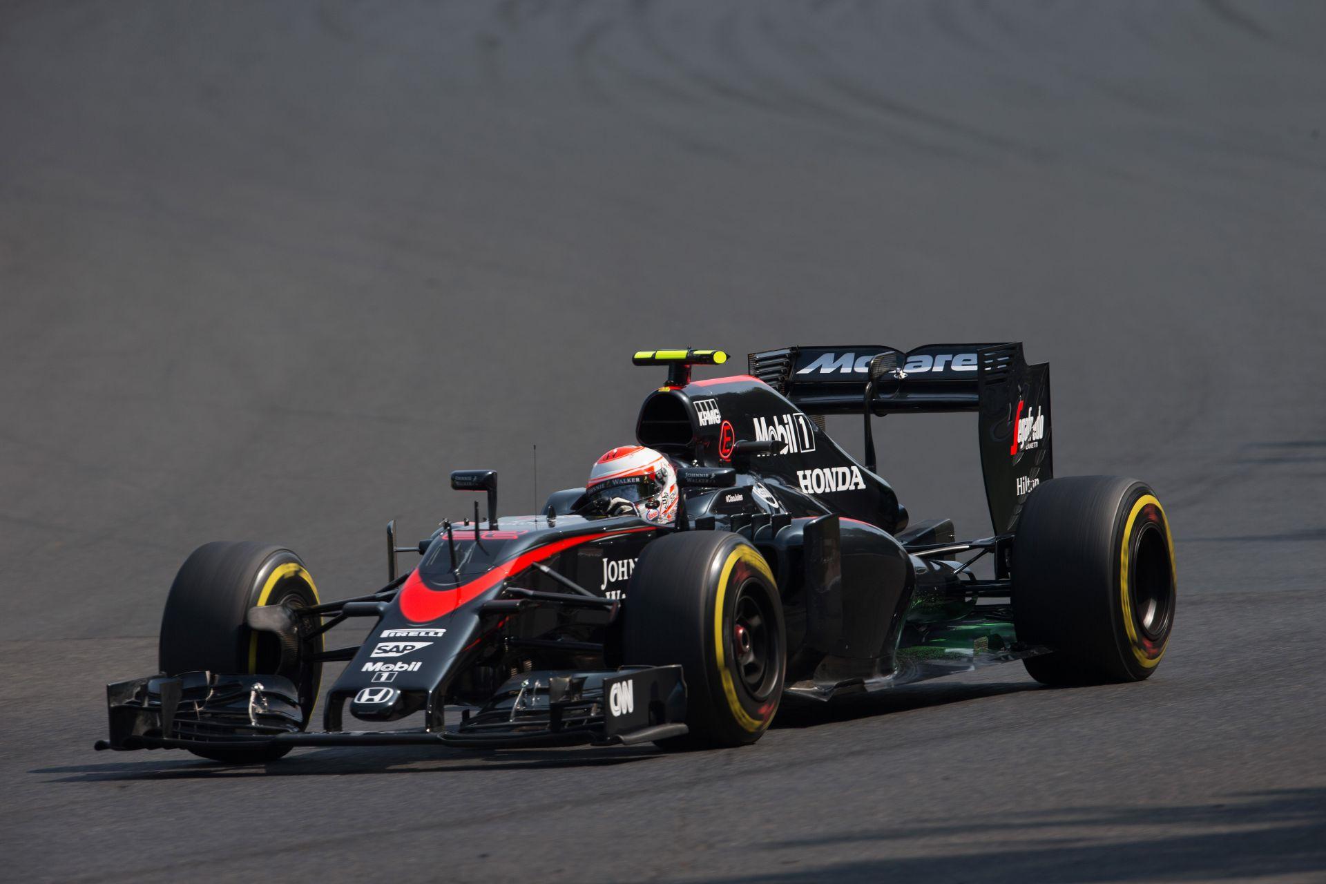 A McLaren-Honda végsebessége átlagosan 13.3 km/órával lassabb a Mercedesénél