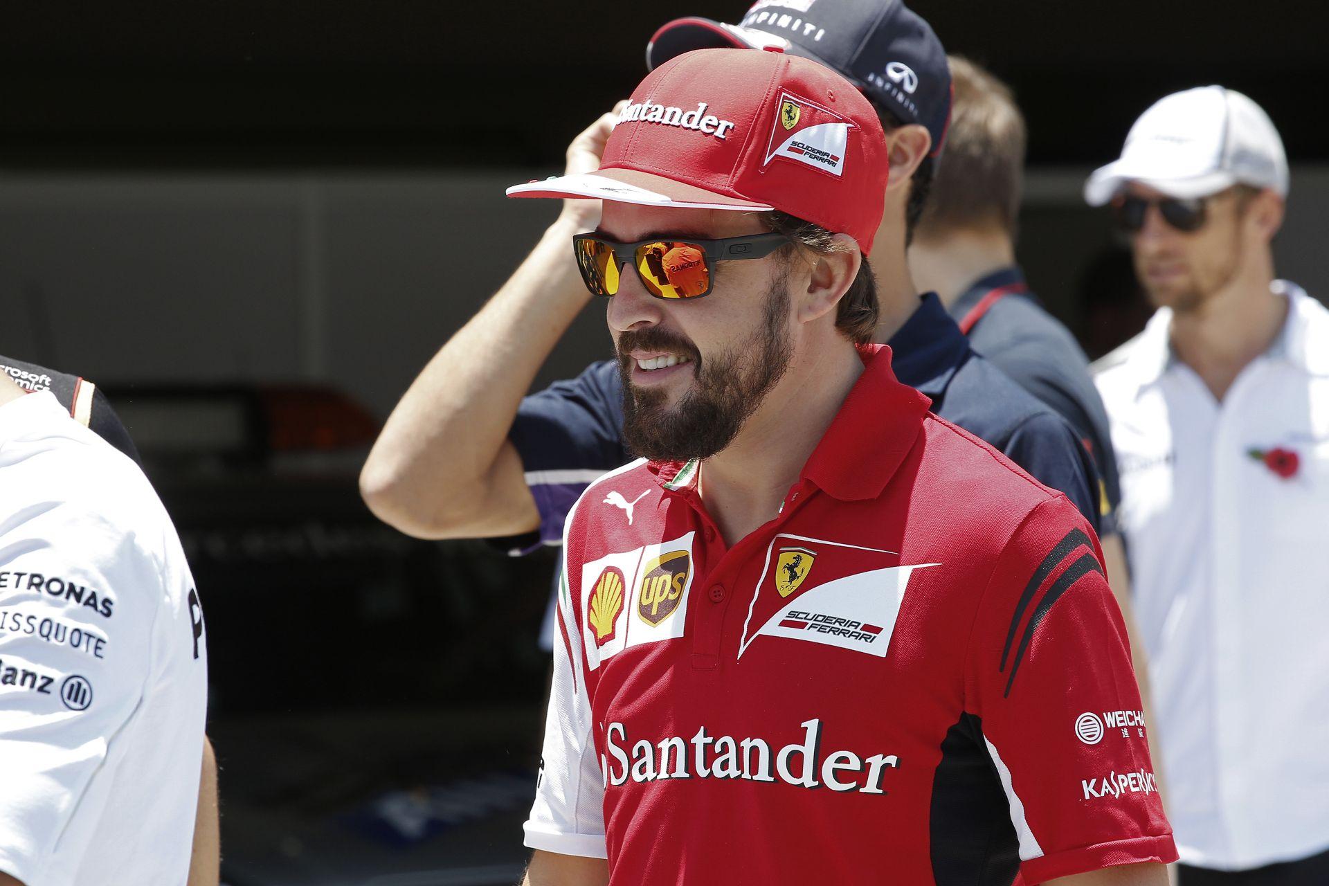 Lotus: Alonso egy csodálatos pilóta, aki bárhová is megy, sikeres lesz! MInden kétséget kizáróan ő a legjobb