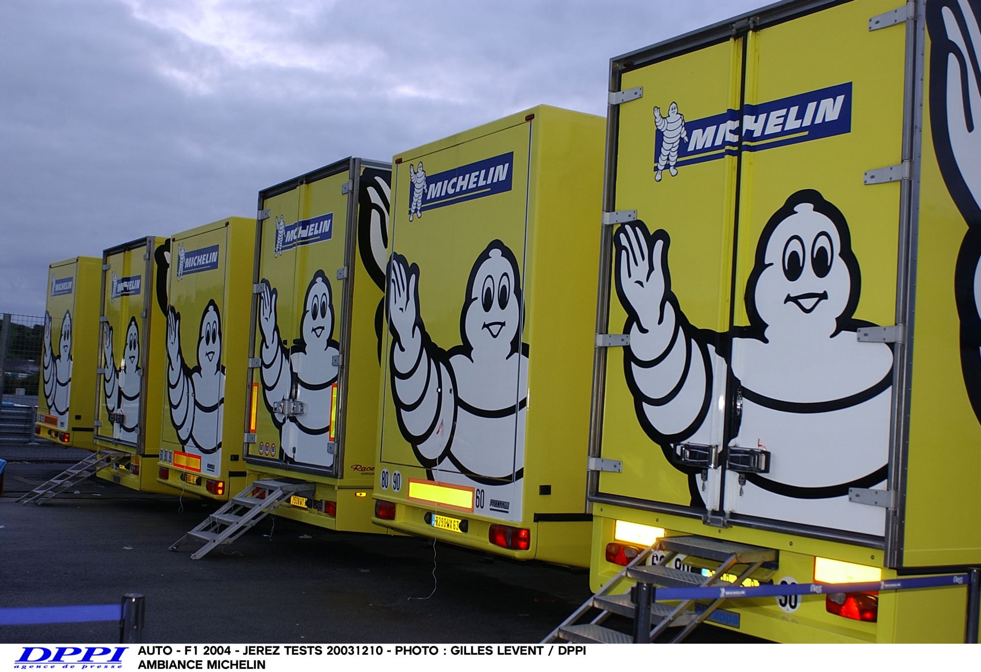 A Michelin izgalmasabbá tenné a Forma-1-et, de csak 18 vagy 19 colos abroncsokkal!