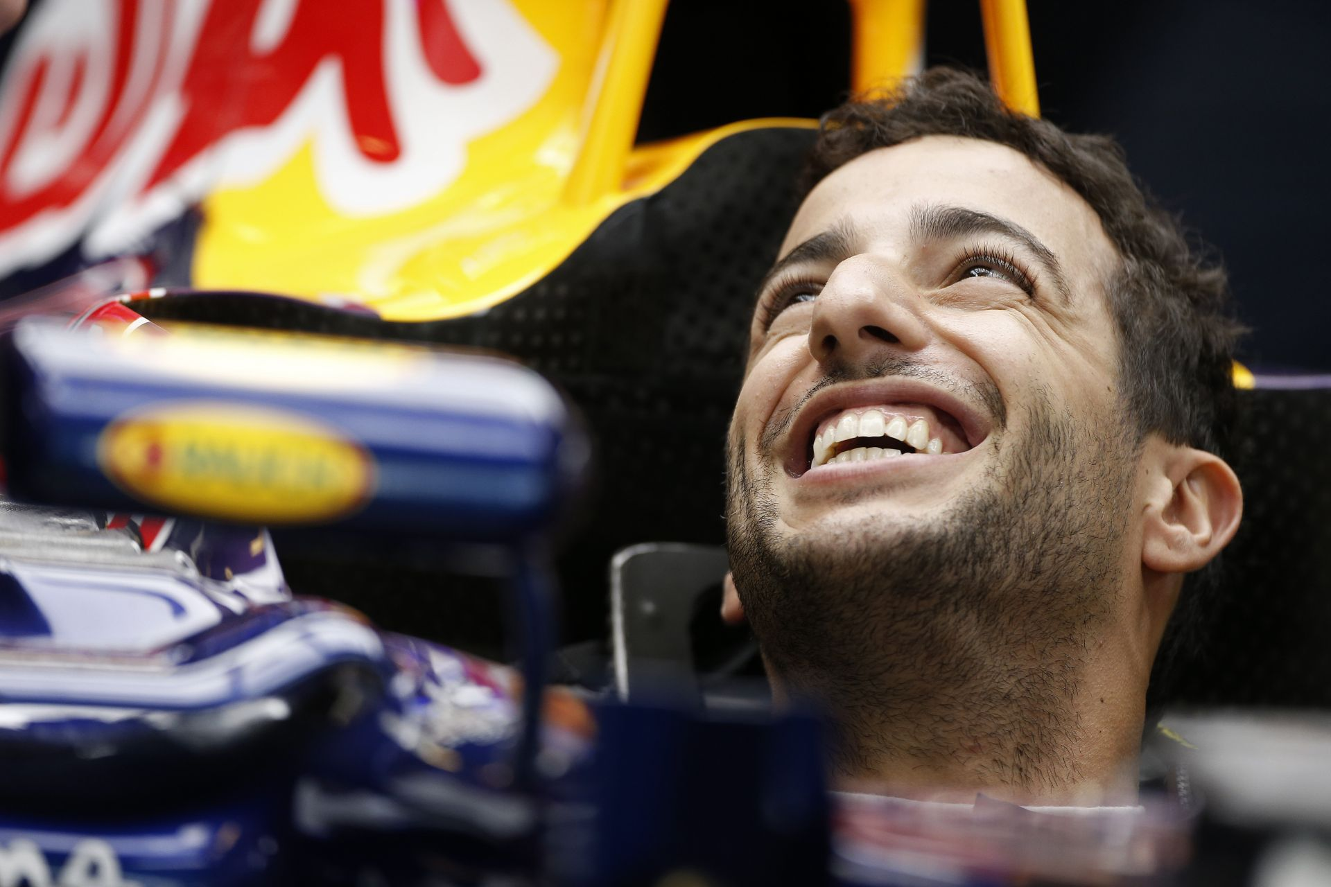 Ricciardo a bokszutcából rajtolván majdnem dobogóra állt Abu Dhabiban