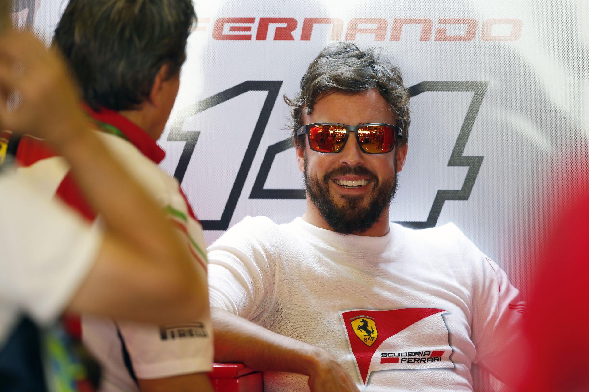 """""""Nagyon, de nagyon örülök annak, hogy Vettel átment a Ferrarihoz! Örülök, hogy Alonso elhúzott a francba a Ferraritól, mert már"""