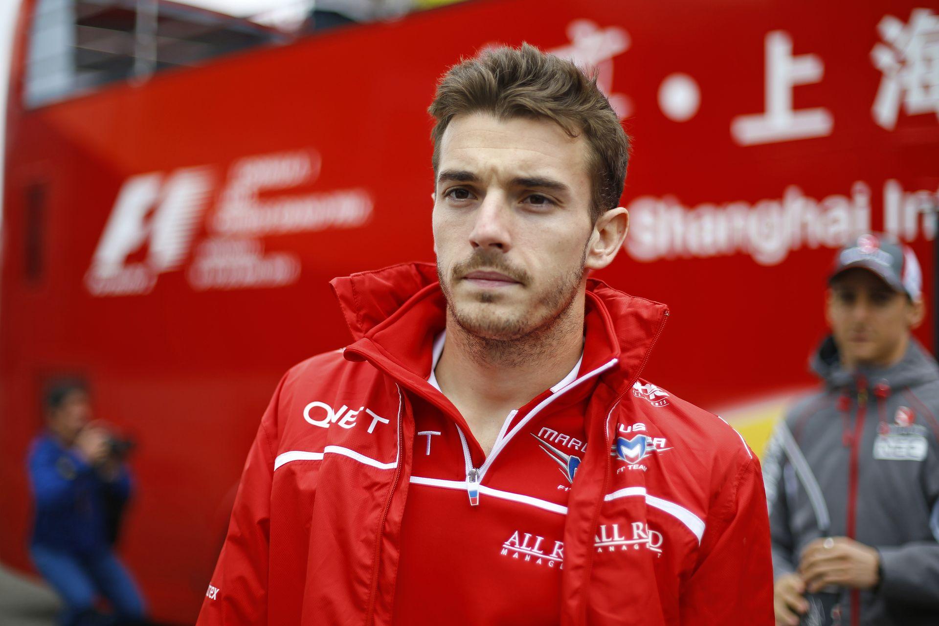 Újabb hírek Bianchi-ról: a francia versenyző állapota még mindig kritikus, de stabil