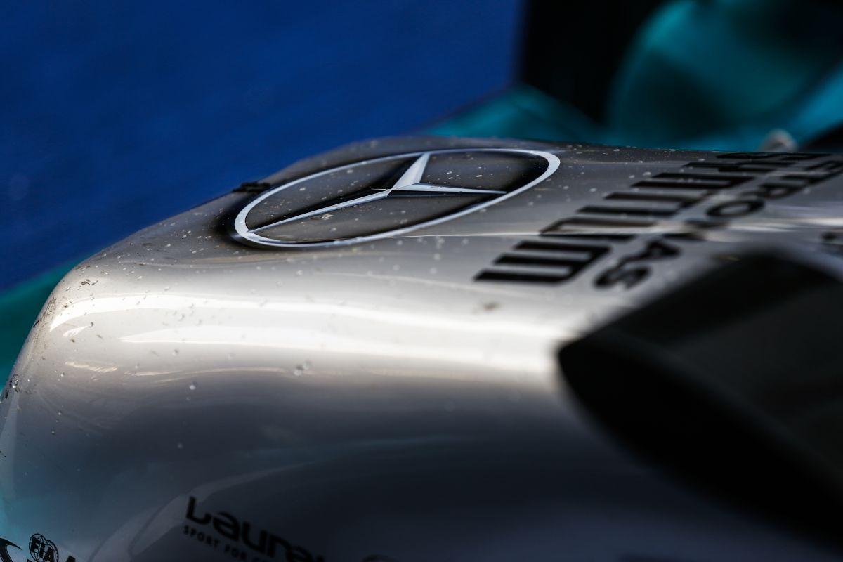 A Daimler elnöke is tudja: az ünneplésre árnyékot vet Jules Bianchi tragikus balesete