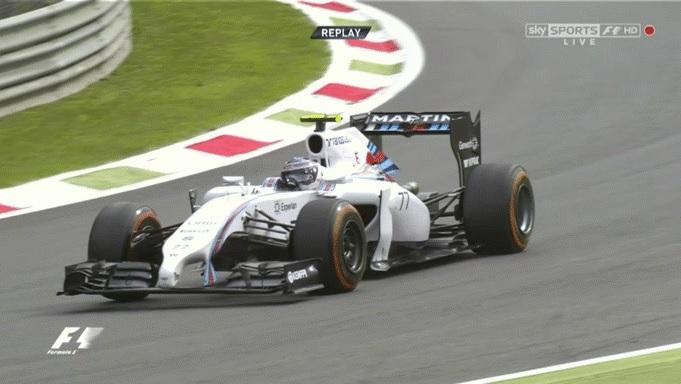 Így driftelt Bottas az F1-es Williamsszel a Parabolica kanyarban