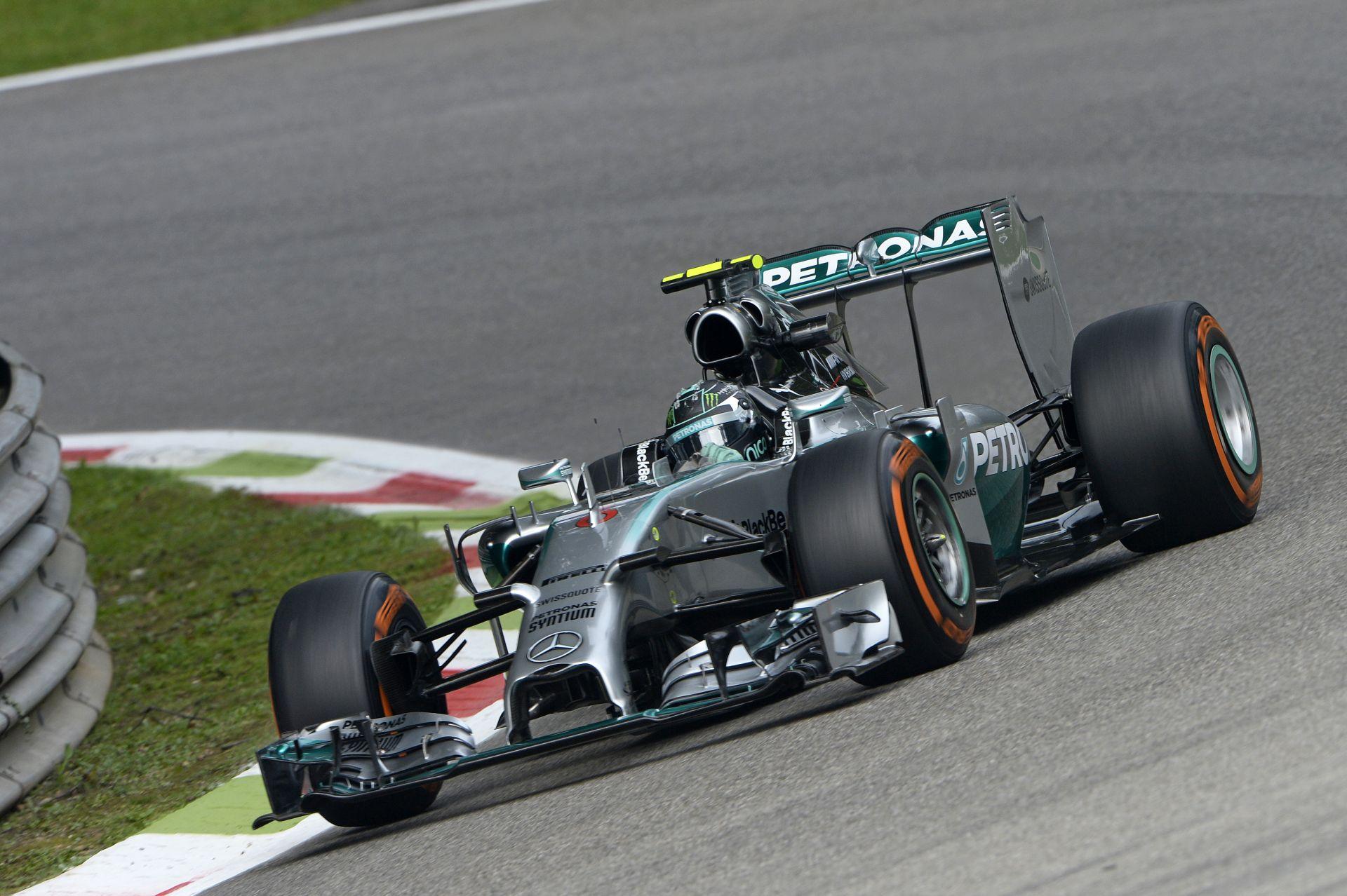 ÉLŐ F1-es adás, MOST! Kérdezz: Rosberg elfékezése kamu volt? Hamilton elhagyja a Mercedest? Széthullik a Ferrari? Ricciardo aláz