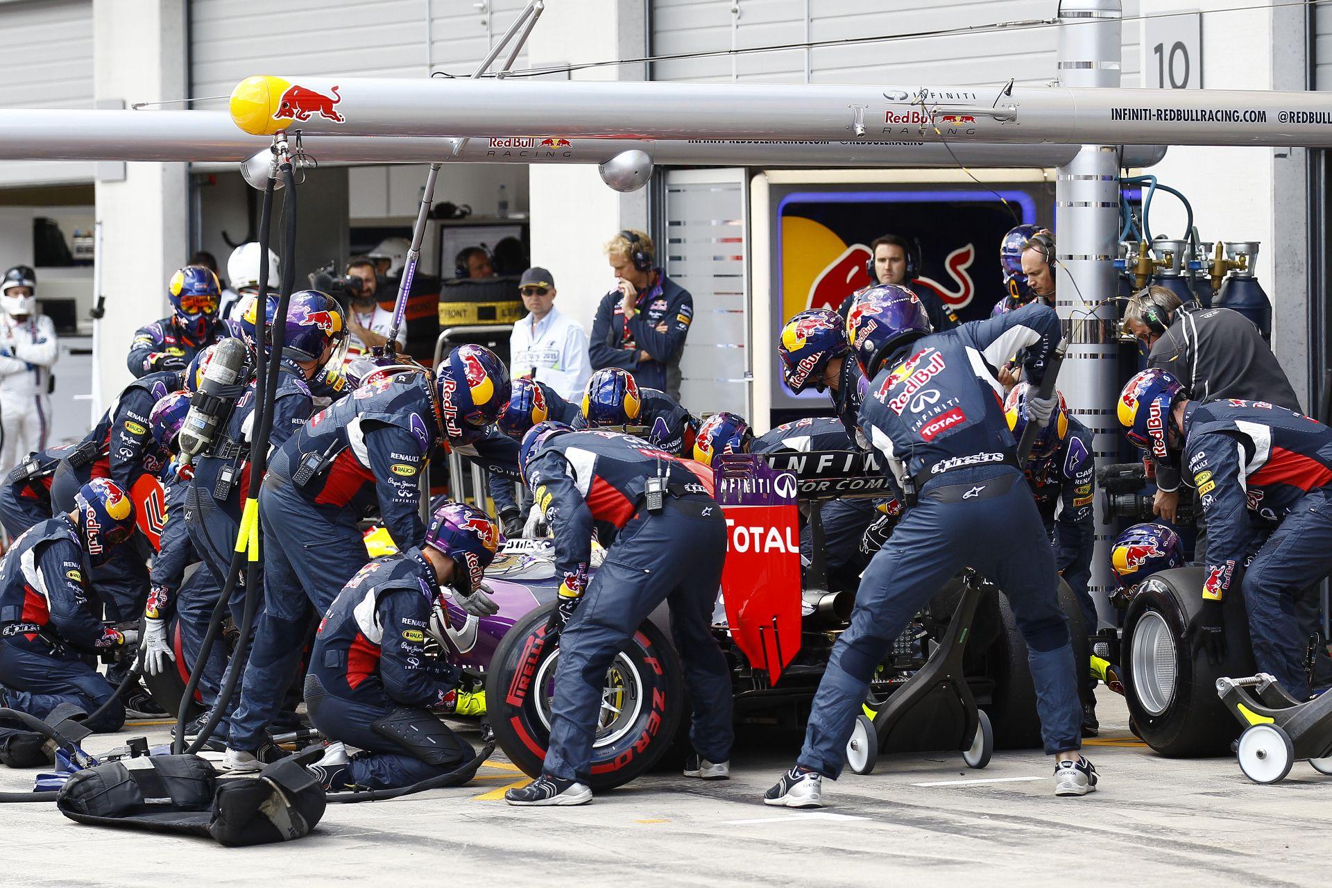 """A Red Bullnál nincs dráma, és egy biztos, nem kérik a Ferrari """"olcsó"""" erőforrásait!"""