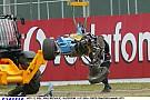 Silverstone 2004: Trulli durva becsapódása a Renault-val