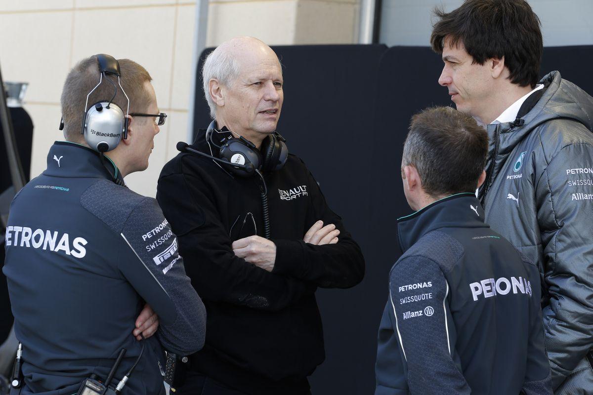 Először a Renault sem hitte el, mennyit invesztál a Mercedes a turbókba