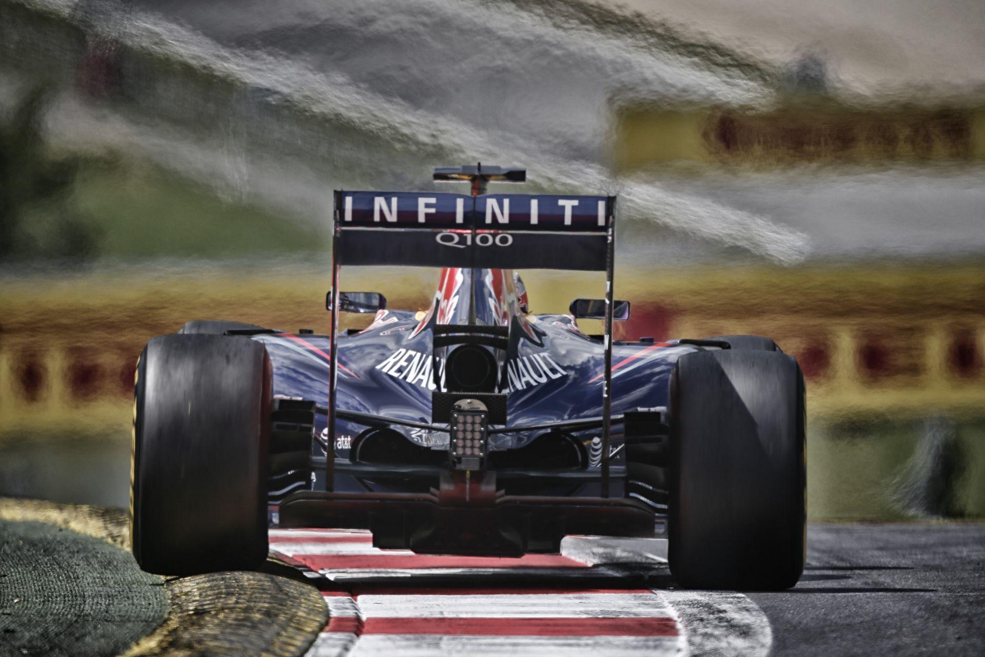 Egy teljesen új motort épít meg a Renault 2015-re a Red Bull és Vettel miatt