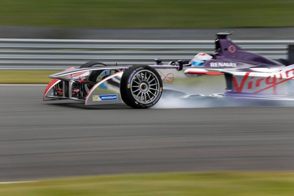 18 colos gumikat fog tesztelni a Pirelli jövő héten: nem azért, hogy változást ösztönözzenek