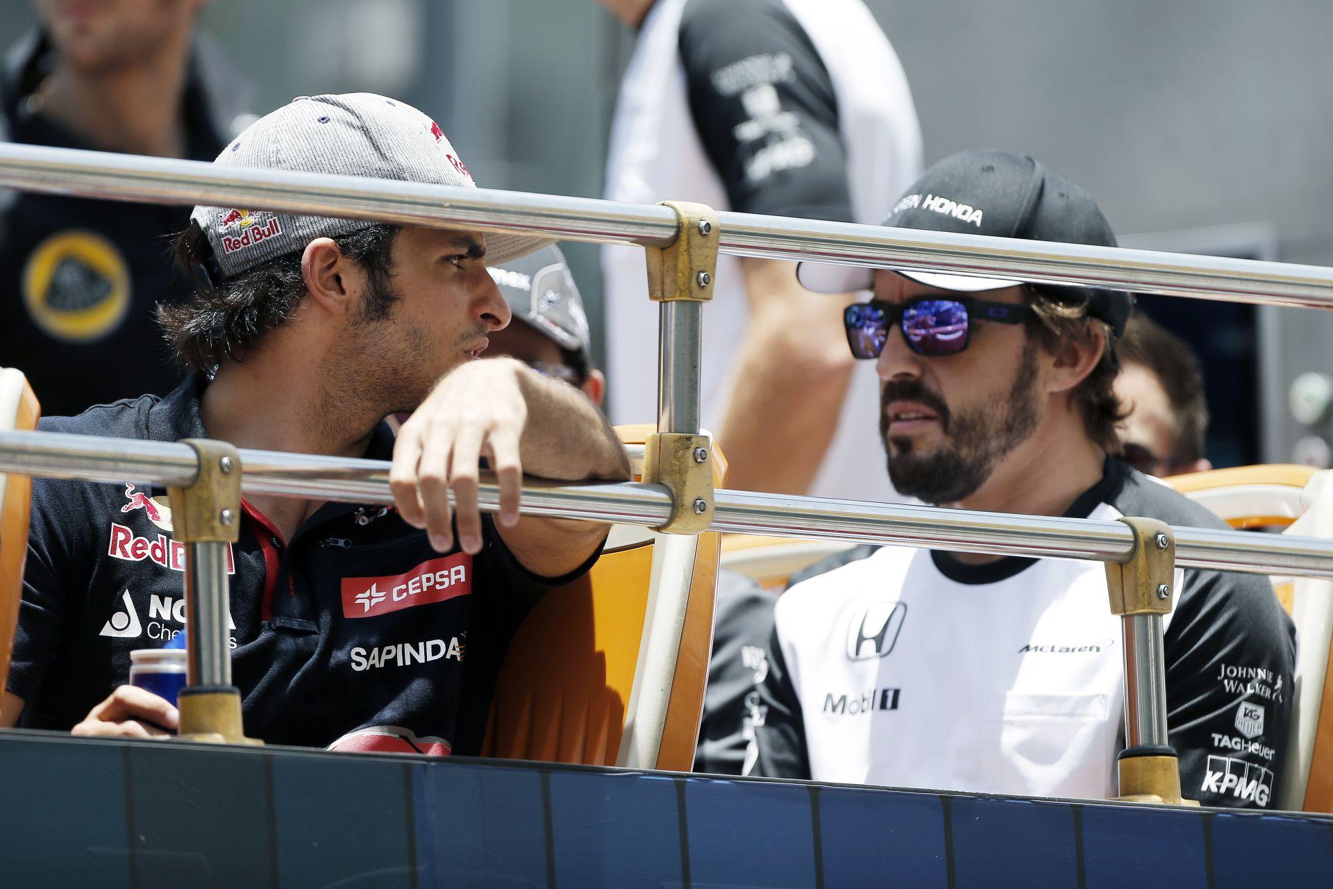 Egyelőre ne nevessük ki Alonsót, aki megnyerte volna a Maláj Nagydíjat Vettel Ferrarijával