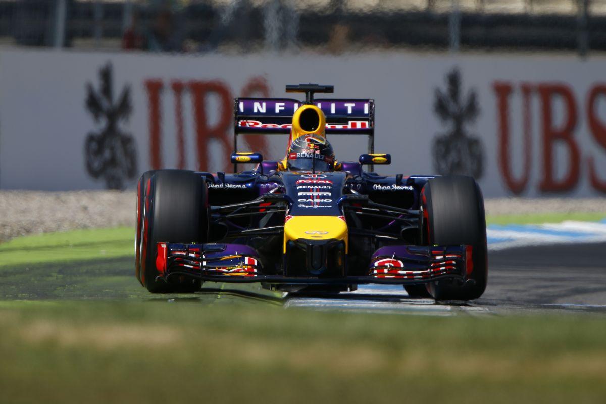 Vettel visszatért: szuperautó, szuper kör, de még így is 4 tized a Mercedestől
